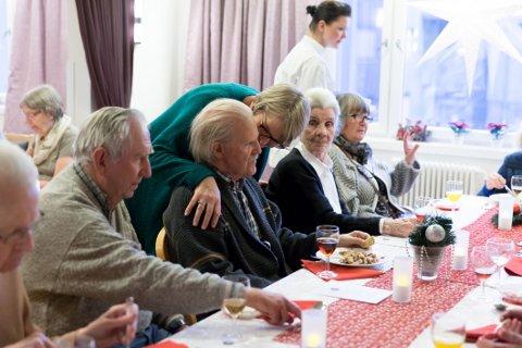 PRIVAT: Manglerudhjemmet er en av de private sykehjemmene som skal fases ut. Her fra da det norske kokkelaget serverte mat til beboerne.
