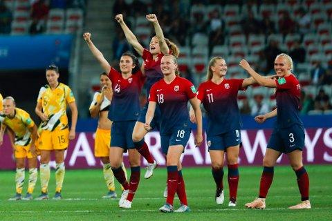 VM-PROFILER: Flere av landslagets største profiler spiller for utenlandske klubber. Nå tror ekspert at sommerens spilleroverganger kan ha en gunstig effekt for Norge.