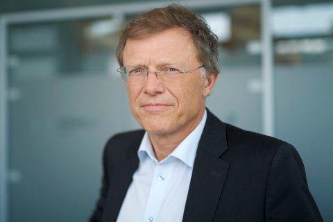 ADVARER MOT BØRSFALL: Sjefstrateg Peter Hermanrud i SpareBank 1 Markets mener analytikernes forventninger er altfor optimistiske.