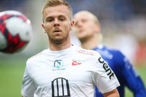 HOVEDKAMPEN: Stian Stray Molde og hans Fredrikstad møter opprykksjagende Kvik Halden i det som blir hovedkampen i målshowet lørdag.