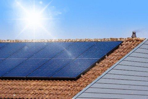 Det internasjonale energibyrået tror kraftig vekst i solenergi vil drive veksten innen fornybar energi de neste fem årene.