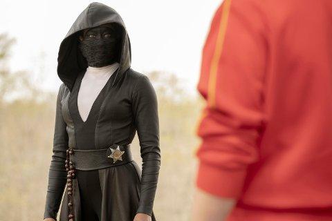 KOSTBARE PRODUKSJONER: Serier som «Watchmen» (bildet) koster penger, og konkurransen begynner å bli hard. Derfor velger HBO nå å øke månedsprisen for et abonnement på HBO Nordic.