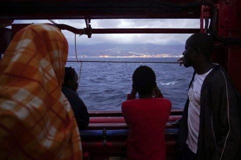 OCEAN VIKING I AKSJON: Det norskeide skipet Ocean Viking har plukket opp ytterligere 90 migranter på tur over Middelhavet. Illustrasjonsfoto fra høsten 2019.