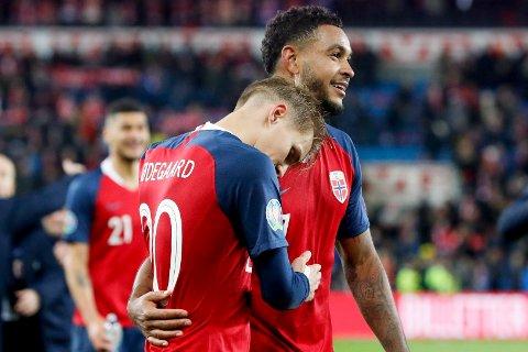 KOMMER DE TIL EM? Martin Ødegaard, Joshua King og det norske landslaget får hjemmekamp både i semifinalen mot Serbia og i en eventuell finale mot Skottland eller Israel.