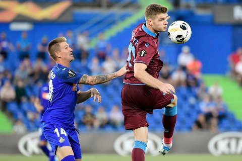 Alexander Sørloth og Trabzonspor tapte 0-1 i bortekampen mot Getafe og Raul Garcia. (Photo by JAVIER SORIANO / AFP)