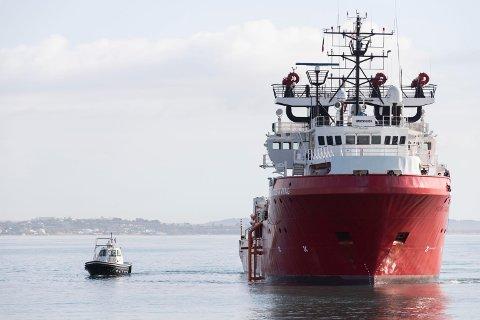 Det norskeide skipet Ocean Viking. Foto: Francesco Ruta / ANSA via AP / NTB scanpix