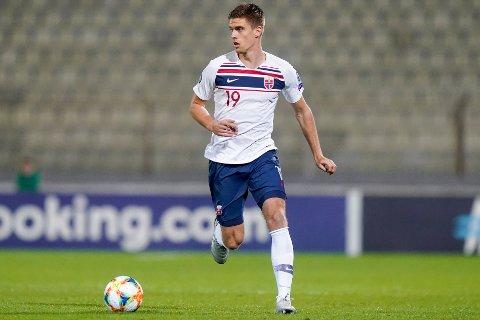 Markus Henriksen har greid å forsvare landslagsplassen på tross av mangelen på spilletid. Nå skal han spille for Bristol City ut sesongen, og fredag kan han få sin debut på sin nye hjemmebane.