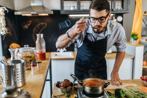 Å lage mat hjemme er ikke bare en god hobby, det er også bokstavelig talt godt.