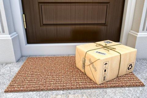 Flere og flere butikker tilbyr levering helt hjem til dørmatta.