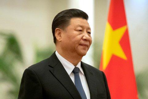 SKAL VÆRE SINNA: Vedvarende amerikanske angrep på Kinas handlemåte i forbindelse med koronaviruspandemien skal ha ført til en «tsunami av sinne» i Kina. På bildet: President Xi Jinping.
