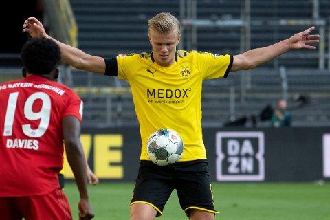 Erling Braut Haaland pådro seg en skade i toppkampen mot Bayern München tirsdag og må stå over søndagens bortekamp mot Paderborn.