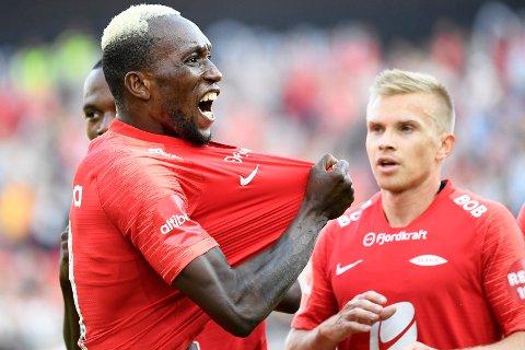 Branns Daouda Bamba scoret 1-0-målet mot Haugesund på Haugesund stadion i 2018. Brann vant kampen 3-1. Her jubler han etter å ha scoret mot Tromsø.