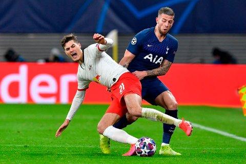 Patrik Schick (t.v.) er i søkelyset til Tottenham. Leipzig-spissen var med å slå ut Toby Alderweireld (t.h.) og Spurs av Champions League like før koronakrisen, men neste sesong kan de spille på samme lag.