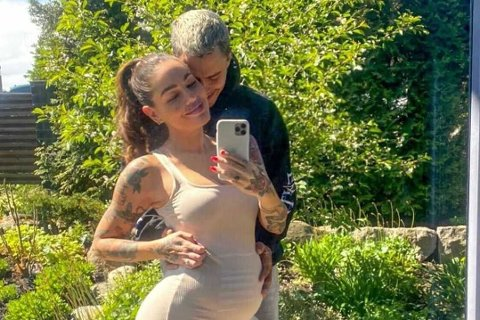 Triana Iglesias og forloveden Mikael Gabriel venter sitt første barn sammen.