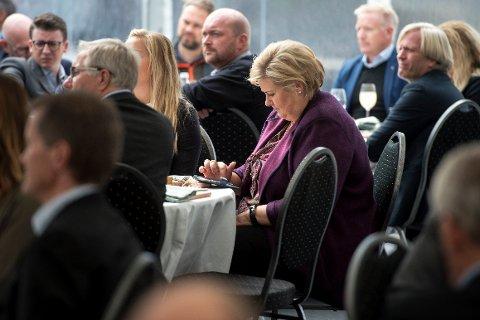HAR TIK TOK-BRUKER: En kartlegging NTB har gjort, viser at flere regjeringsmedlemmer har opprettet brukere på Tik Tok. Det inkluderer statsminister Erna Solberg (H), her på et arkivfoto fra 2018.