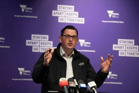 Lederen i den australske delstaten Victoria Daniel Andrews har erklært katastrofe i Melbourne som følge av en kraftig økning i antall koronainfeksjoner. De siste dagene har 600–700 personer fått påvist smitte hver eneste dag. Arkivfoto: Andy Brownbill / AP / NTB scanpix