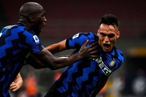 Vi tror Inter Milans superspisser Lautaro Martinez (t.h.) og Romelu Lukaku senker spanske Getafe onsdag.