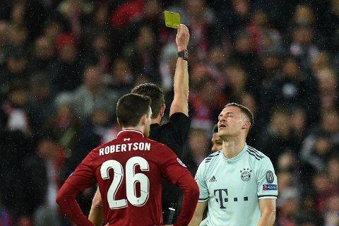 Vi tror at Bayern-spilleren Joshua Kimmich (t.h.) kommer til å pådra seg kort i onsdagens semifinae i Champions League. Her erfra kampen mot Liverpool i fjor.