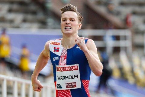 I AKSJON: Karsten Warholm på Olympiastadion i Stockholm.