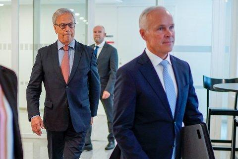 Finansminister Jan Tore Sanner (t.h.) og sentralbanksjef Øystein Olsen avbildet i forbindelse med en pressekonferanse i august 2020.