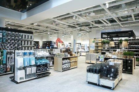 BREDT VAREUTVALG: Clas Ohlson er en av butikkene som har bredt vareutvalg, og henter inn flere varekategorier fra ulike bransjer. Det vinner de på.
