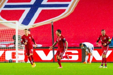 STERKE SEERTALL: Norges Mathias Normann jubler etter 1-1 målet under semifinalen i EM-omspillet fotball Norge og Serbia på Ullevaal stadion.