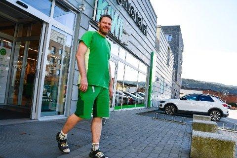 BUTIKKSJEF: Inge Holtlien, butikksjef for Kiwi i Mjøndalen, sa tidligere denne uka at han må tre fra stillingen på grunn av uenigheter mellom Kiwi sentralt og Kiwi i Mjøndalen. Det avkrefter Kiwi onsdag.