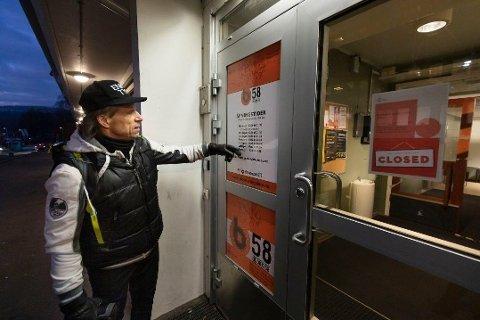 Senterpartipolitiker Jan Bøhler kom til stedet kort tid etter at politiet hadde funnet en 14-åring med stikkskader på en buss ved Furuset senter mandag formiddag. Her er han avbildet ved en annen anledning. Foto: Werner Juvik / Avisa Oslo