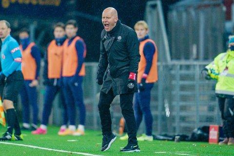 UNDER PRESS: Strømsgodsets trener Henrik Pedersen leder laget sitt mot Aalesund.