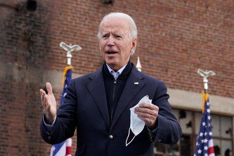 Joe Biden har valgt Pete Buttigieg (38) som transportminister. Her er Biden på et valgkamparrangement i Atlanta i Georgia til støtte for de to demokratiske senatorene Raphael Warnock og Jon Ossoff. Foto: Patrick Semansky / AP / NTB