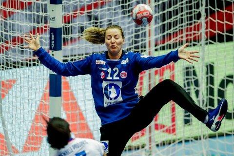 Norges keeper Silje Solberg spilte strålende i EM-finalen i håndball mot Frankrike. Foto: Vidar Ruud / NTB