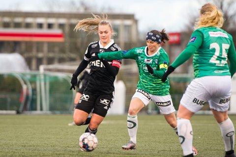 TIL KOLBOTN: Marit Clausen (til venstre) skal spille i Kolbotn neste sesong.