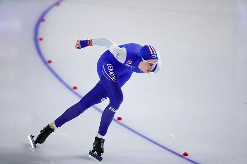 Ragne Wiklund satte norsk rekord på 3000 meter under B-gruppen i Heerenveen søndag. Foto: Peter Dejong / AP / NTB