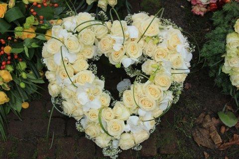 Blomster til den siste reisen kan leveres direkte til stedet hvor begravelsen skjer.
