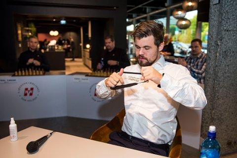 Magnus Carlsen deltar i bedrifts-VM i sjakk som starter fredag. Foto: Carina Johansen / NTB