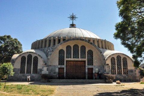 Bildet viser en kirke i Axum der det skal ha foregått drap og overgrep mot sivile i slutten av november i fjor. Mange hundre mennesker skal ha blitt drept av eritreiske soldater. Foto: AP / NTB