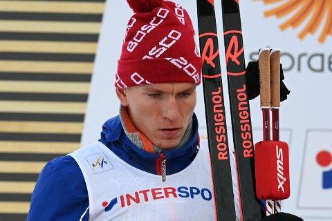 MISFORNØYD: Aleksandr Bolsjunov var lite fornøyd med avgjørelsen etter den dramatiske spurten.
