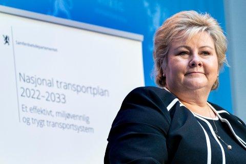 Statsminister Erna Solberg (H) er under etterforskning for mulige smittevernsbrudd. Foto: Terje Pedersen / NTB