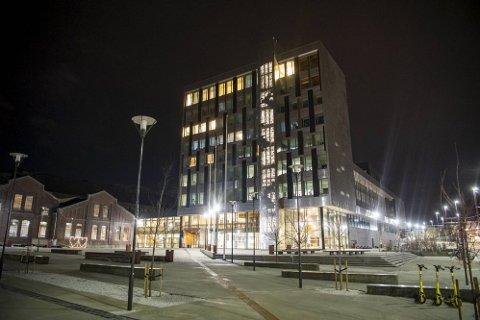 VOKSER I OMFANG: Utbruddet blant studenter i Bergen vokser i omfang. Ved Høgskulen på Vestlandet (bildet) er flere bekreftet smittet.