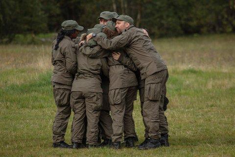 UTE:Tre deltagere må ta farvel med resten av kompaniet etter sesongens første dimmekamp.