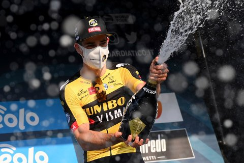 Wout Van Aert var sterkest i Belgia søndag. Foto: Gian Mattia D'Alberto/LaPresse via AP / NTB