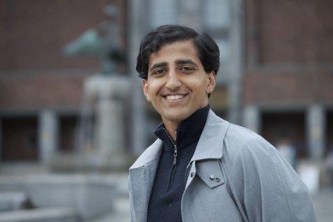 MINDRE SKATT: Leder i Oslo Unge Høyre, Hassan Nawaz, har fått med seg Oslo Høyre på å øke frikortgrensen. - Et stort gjennomslag, sier han.