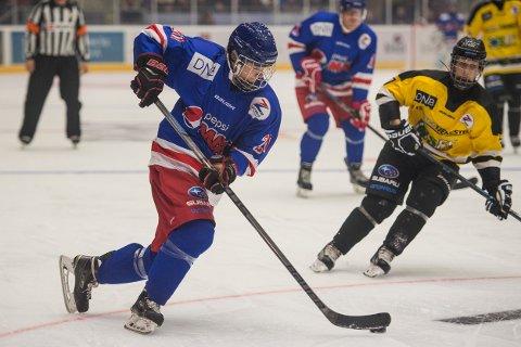 Mathias Emilio Pettersen, her i en showkamp i Stavanger i 2015, blir med Norge i ishockey-VM. Foto: Carina Johansen / NTB
