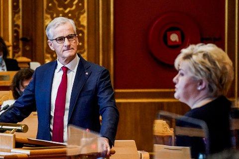GÅR TILBAKE: Partiene til statsminister Erna Solberg og Ap-leder Jonas Gahr Støre har begge stor tilbakegang på månedens VG-meningsmåling.