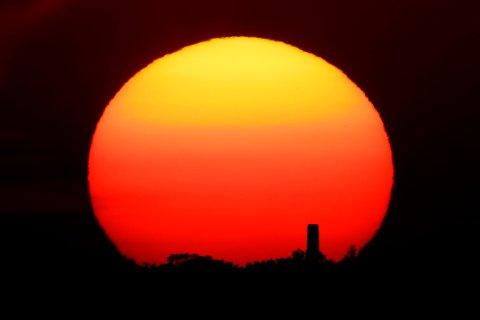 I løpet av få år kan verden allerede ha passert grensen for global oppvarming som Parisavtalen skulle forhindre, tror WMO. Foto: Charlie Riedel / AP / NTB