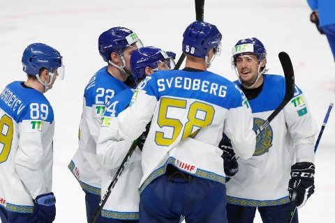 Kasakhstans spillere kunne juble mye i VM-kampen mot Italia. Foto: Sergej Grits / AP / NTB