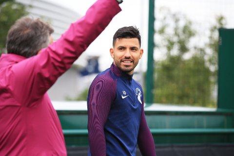 SJENERØS: Sergio Aguero viste sin sjenerøse side før han tok farvel med Manchester City.