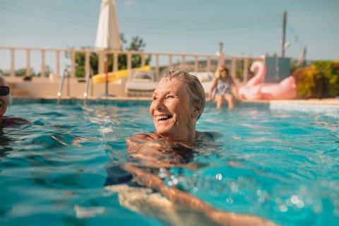 Hotels.com gjør det gyldne reiseåret en realitet for én heldig pensjonist.