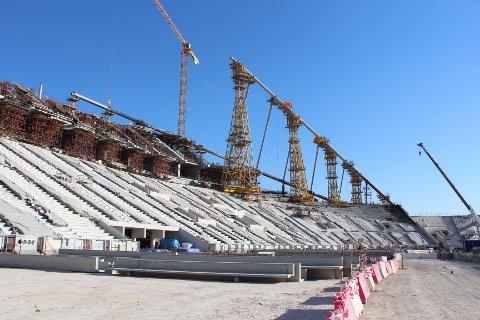 Fotballkretsene står samlet imot en boikott av Qatar-VM. Bildet er fra 2016 under byggingen av Khalifa stadion i Doha. Foto: Magnus Aabech / NTB