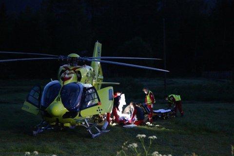 HENTET MED LUFTAMBULANSE: En person ble fløyet til sykehus med luftambulanse etter ulykken i Lunde i Telemark.